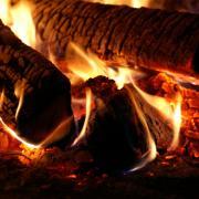 Smoker Einbrennen und Inbetriebnahme Feuer groß