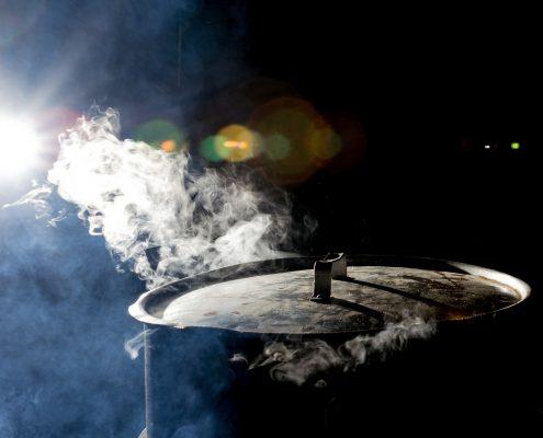 smoker-grill-bbq-rauch-aus-kessel